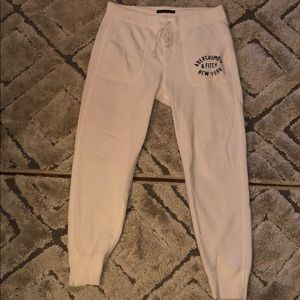 White Joggers   Abercrombie and Fitch